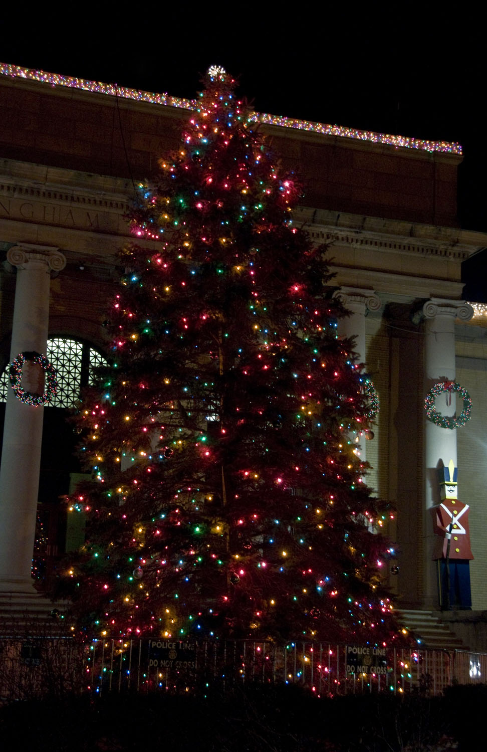 Picture of the holiday tree in front of the Memorial Building in Downtown Framingham